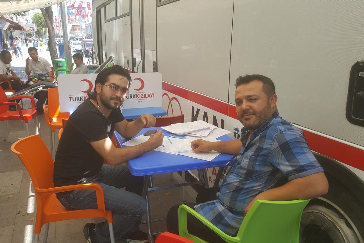 Sanatçı Ali Özmen'den kan bağışı çağrısı