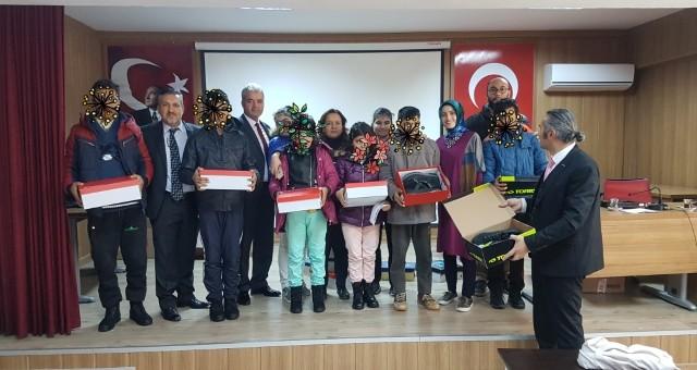 Türk Eğitim Sen Çocukları Sevindirdi