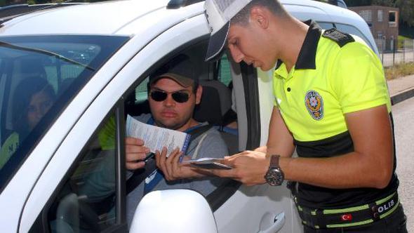 Serik'te Polisten sürücülere bayram uyarısı