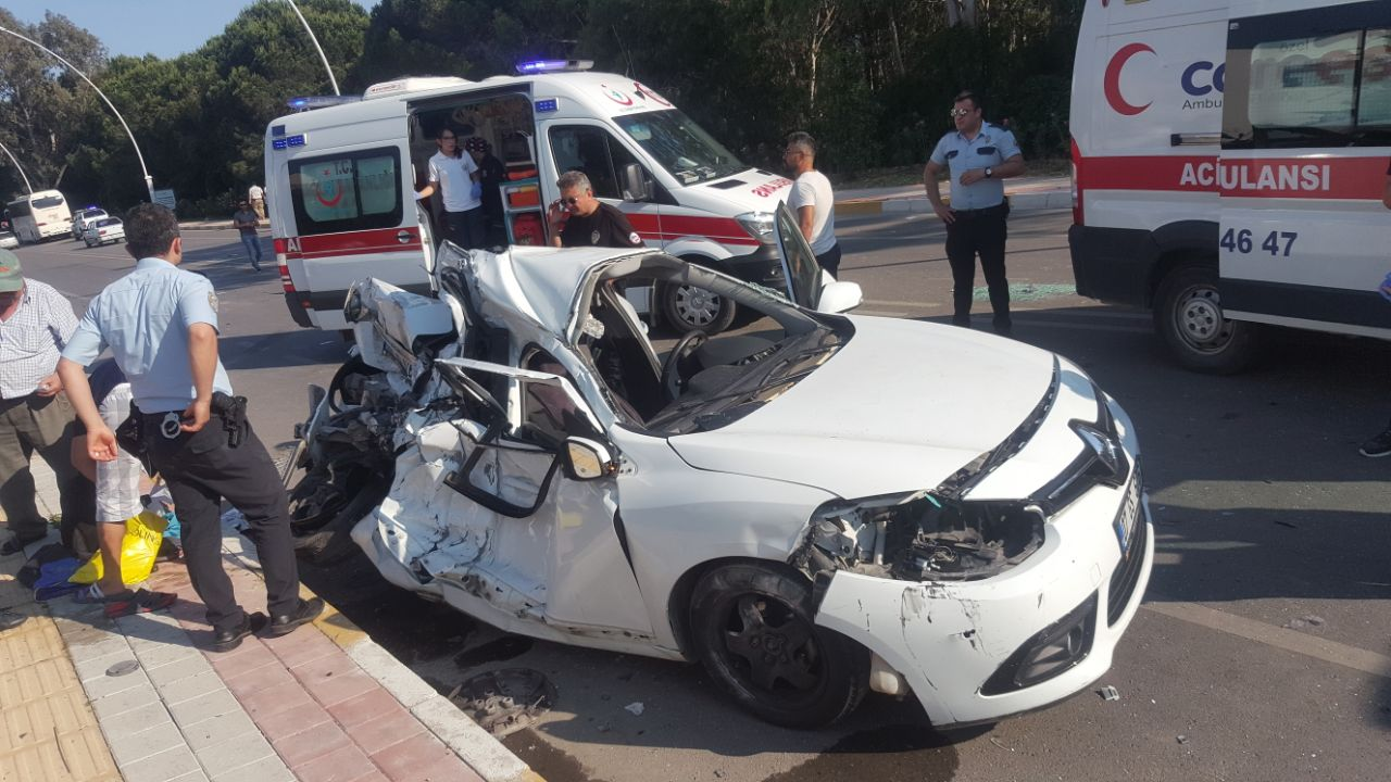 Serik'te Zincirleme Kaza; 1 Ölü 2 Yaralı