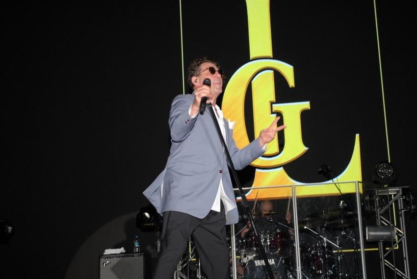 Efsane Rus Serik'te 10'bin kişiye konser verdi