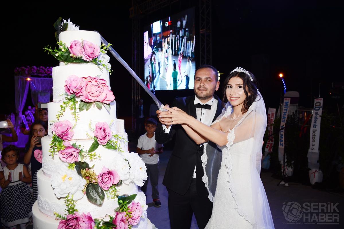 Nilgün Ve Uğur Muhteşem Bir Düğünle Evlendiler