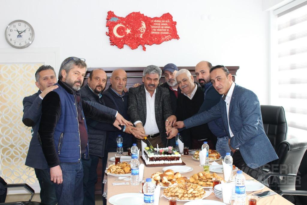 Necmettin Çalık, çalışan gazeteciler gününü kutladı