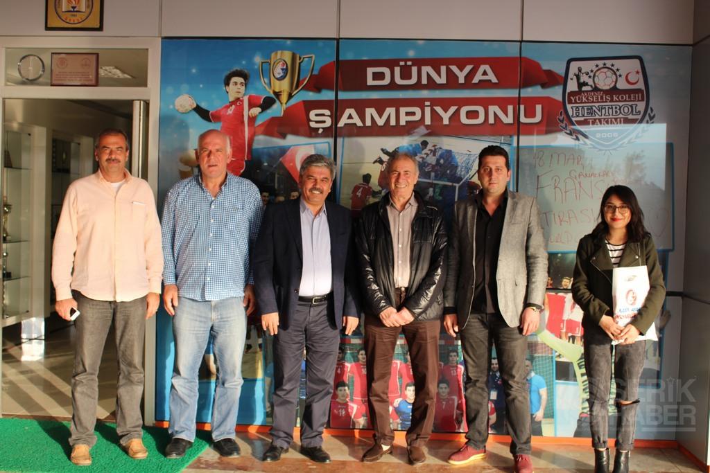 Türkiye ve Dünya Hentbol Başkanları Yükseliş Koleji'nde