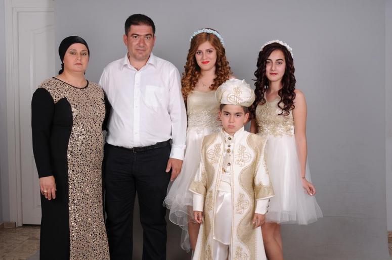 Ünal Ailesinin Mutlu Günü