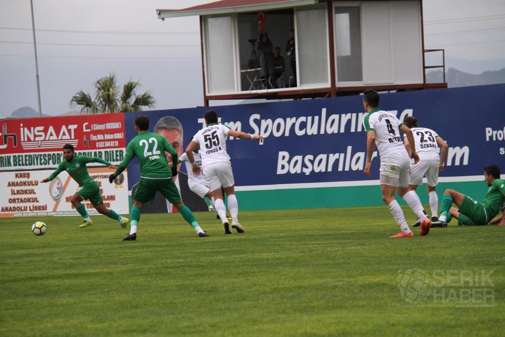 Lider Serik, Sarayönü'nü 4-2 yıktı geçti