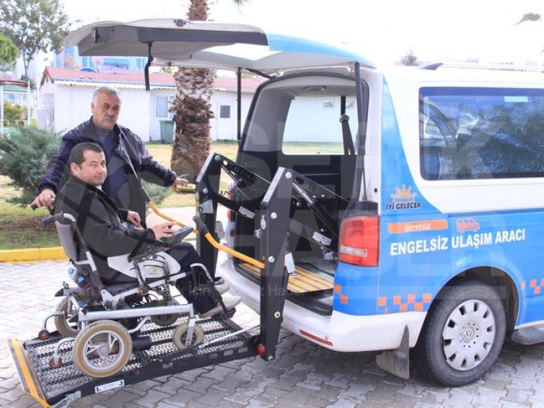 Büyükşehir'den Ücretsiz Engelsiz Ulaşım Aracı