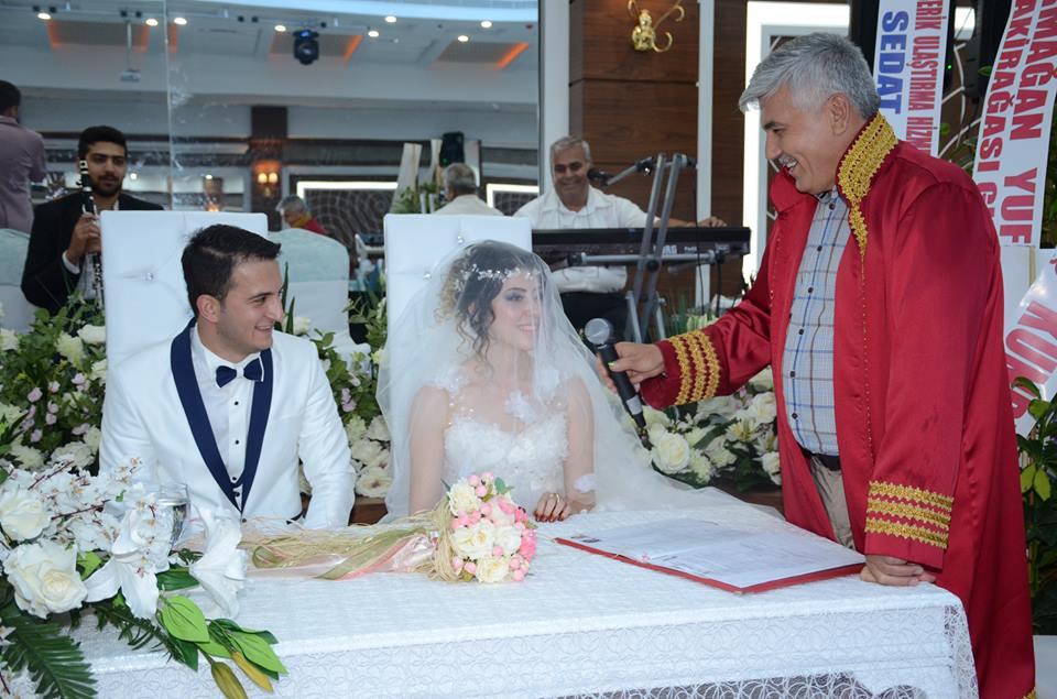 Sedef ve Orkun Çifti Muhteşem bir Düğünle Evlendi