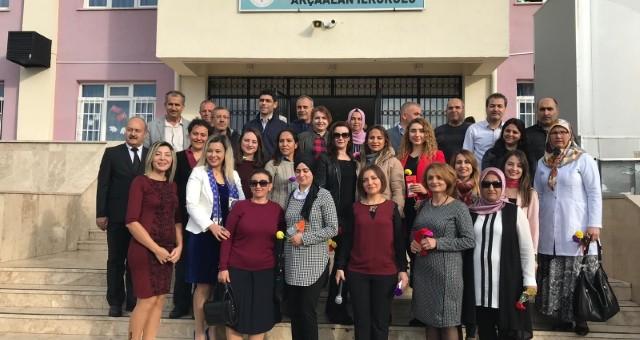 Akçaalan İlkokulunda Öğretmenler Günü Coşkusu