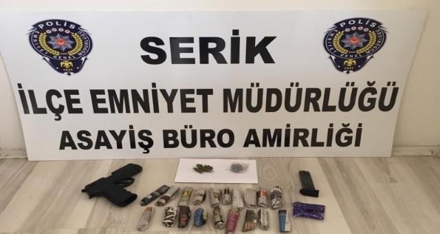 Polis, Serik'te Bir Otomobilde Uyuşturucu Ele Geçirdi