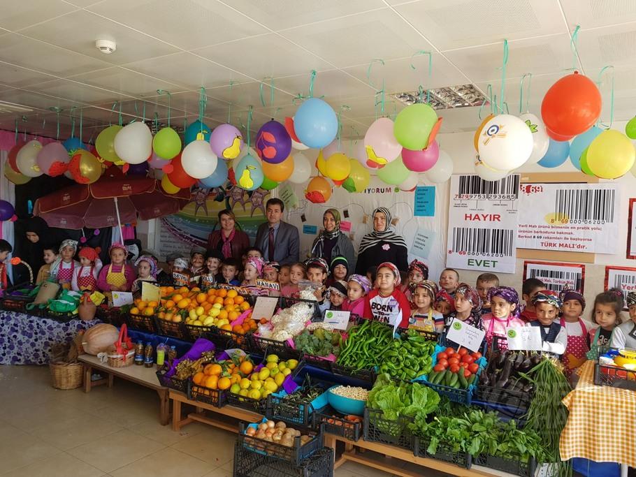 Akçaalan İlkokulu'nda Pazar Yeri Etkinliği