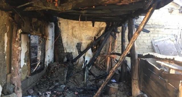 Burdur'da Yatalak hasta, evindeki yangında can verdi