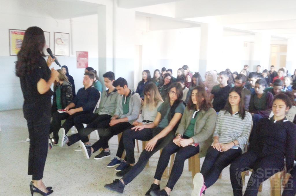 """Atatürk Anadolu Lisesi'nde """"Kaygı"""" üzerine Seminer verildi"""
