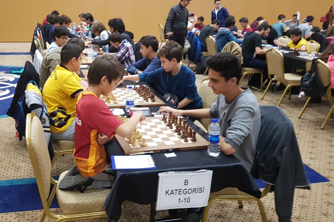 Serik, Satranç Turnuvasında ilk 10'da yer aldı