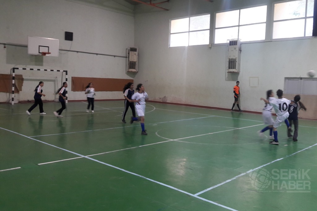 Okul Sporları Futsal İle Başladı