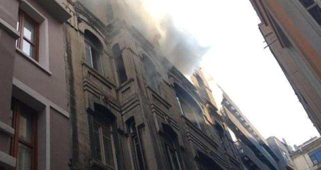 Son dakika... İstanbul'da Yangın: 4 Kişi Hayatını Kaybetti