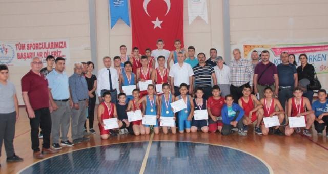 Gençlik Haftası Finali Güreş