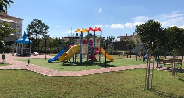 Serik Belediyesi, Kurduğu Oyun Parkları İle Çocukları Sevindiriyor