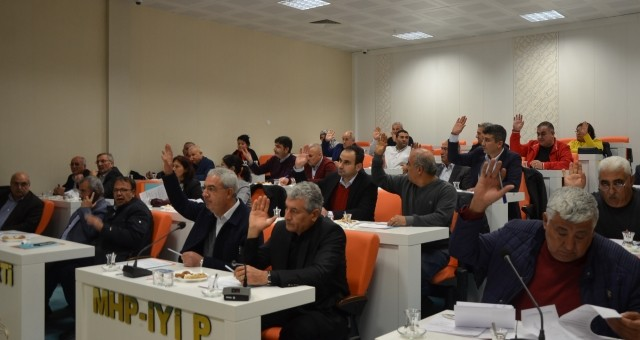 Serik Belediyesi'nde Yılın İlk Meclisi