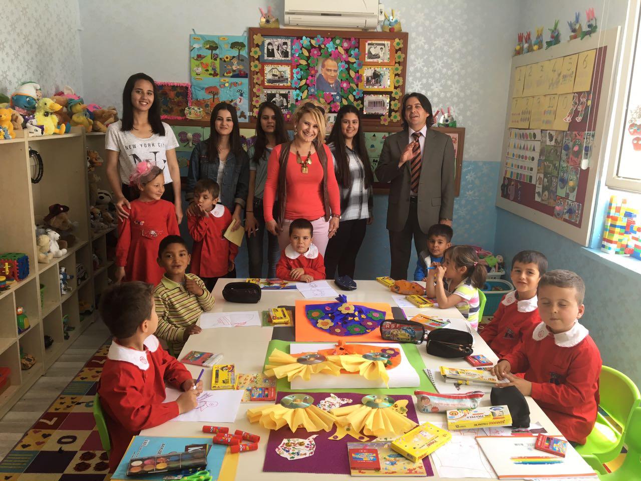 Atatürk Anadolu Lisesi Kitap Bağışı'nı Geleneksel Hale Getirdi