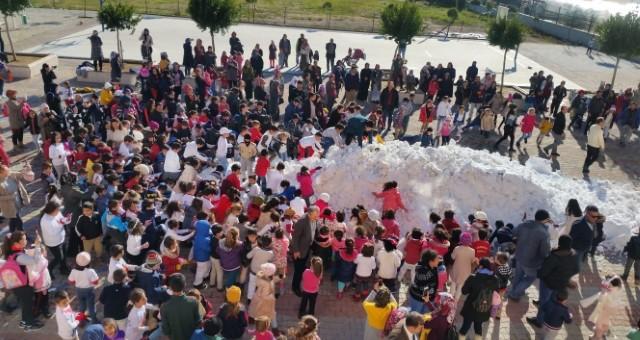Kadriye İlkokulu Farklılığını Gösterdi, Kadriye'ye Kar Yağdı