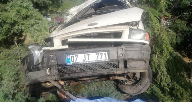 Manavgat'ta Minibüs Takla Attı: 1 Ölü, 1 Yaralı