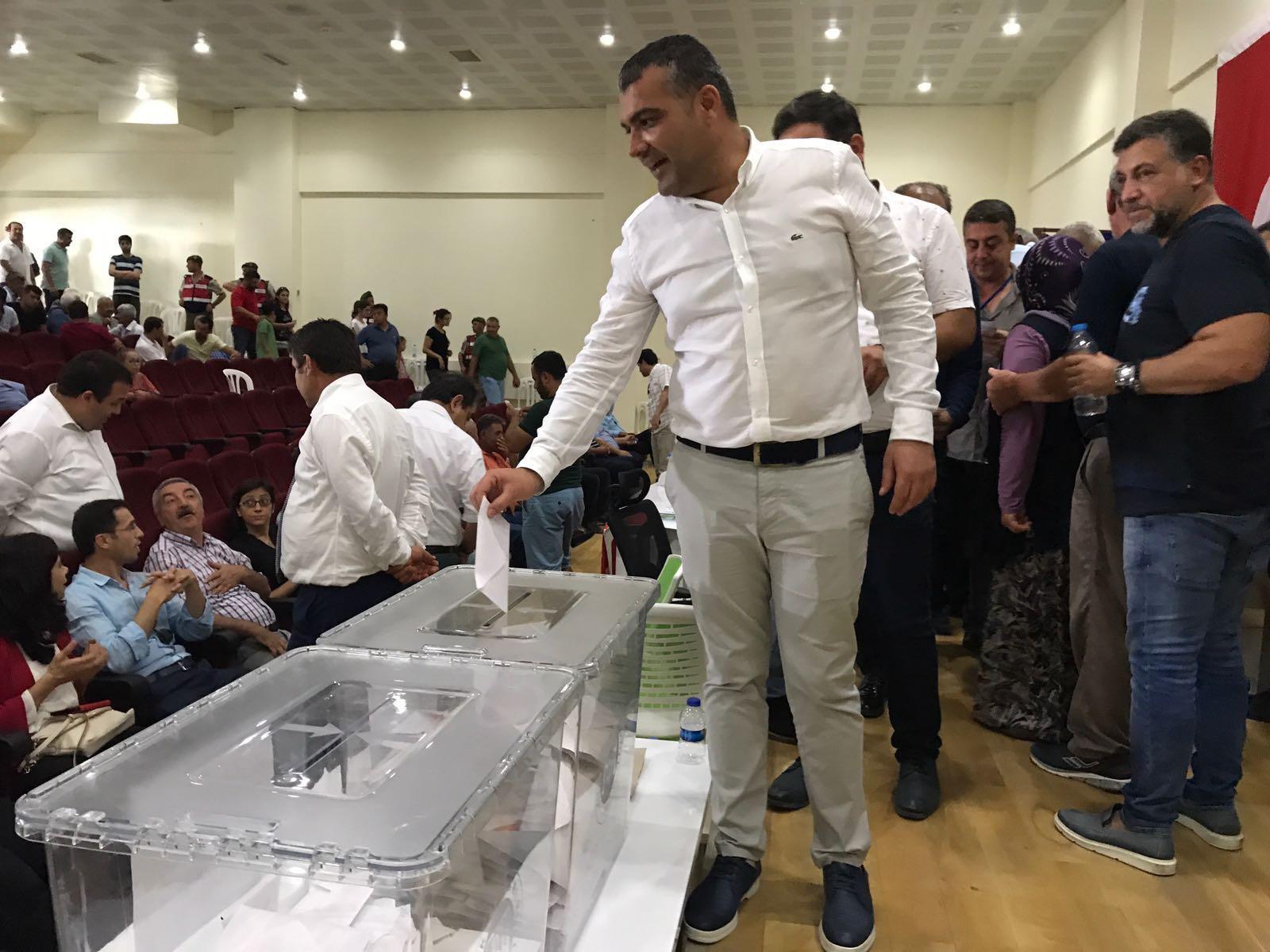 Antbirlik'te çifçinin desteğiyle kazanan Mustafa Yavuz oldu