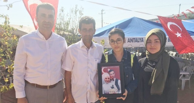 Atatürk Anadolu Lisesi Şehidimizin Ailesini Ziyaret Etti