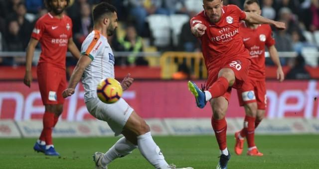 Akdeniz Derbisinde Kazanan Taraf Antalyaspor! (Özet)