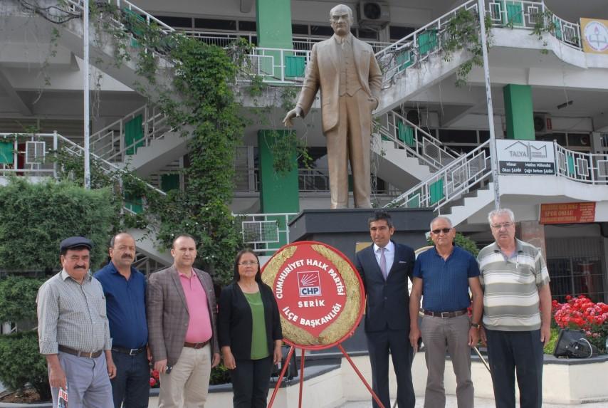 Demiroğlu; Bu Ülke'yi Hande Yener kurtarmadı