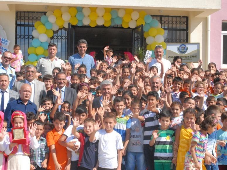 Akçaalan İlkokulu törenle açıldı