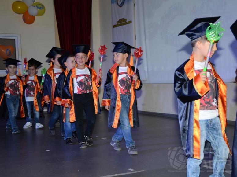 Yükseliş Anasınıfı Öğrencilerinin Mezuniyet Töreni Renkli Görüntülere Sahne Oldu