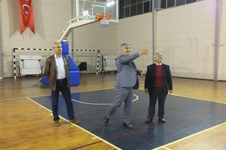 Geleneksel Öğretmenler Voleybol Turnuvası Başladı