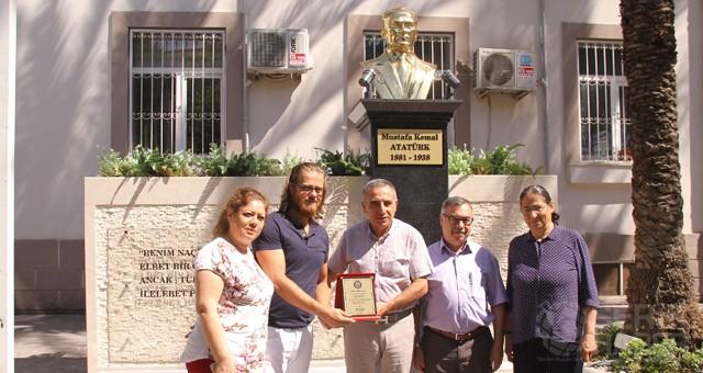 Hükümet Konağı Bahçesine Yeni Atatürk Büstü