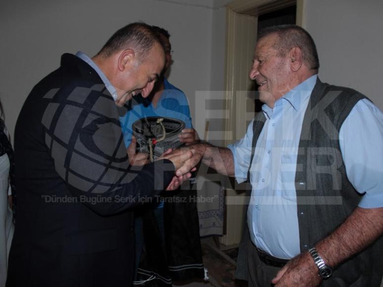 Çavuşoğlu, Dünya Olimpiyat Şampiyonu Oğan'ı Ziyaret Etti