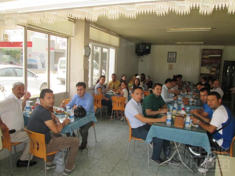 Hacı Mustafa Bankoğlu Ortaokulu Ailesi Yemekte Bir Araya Geldi
