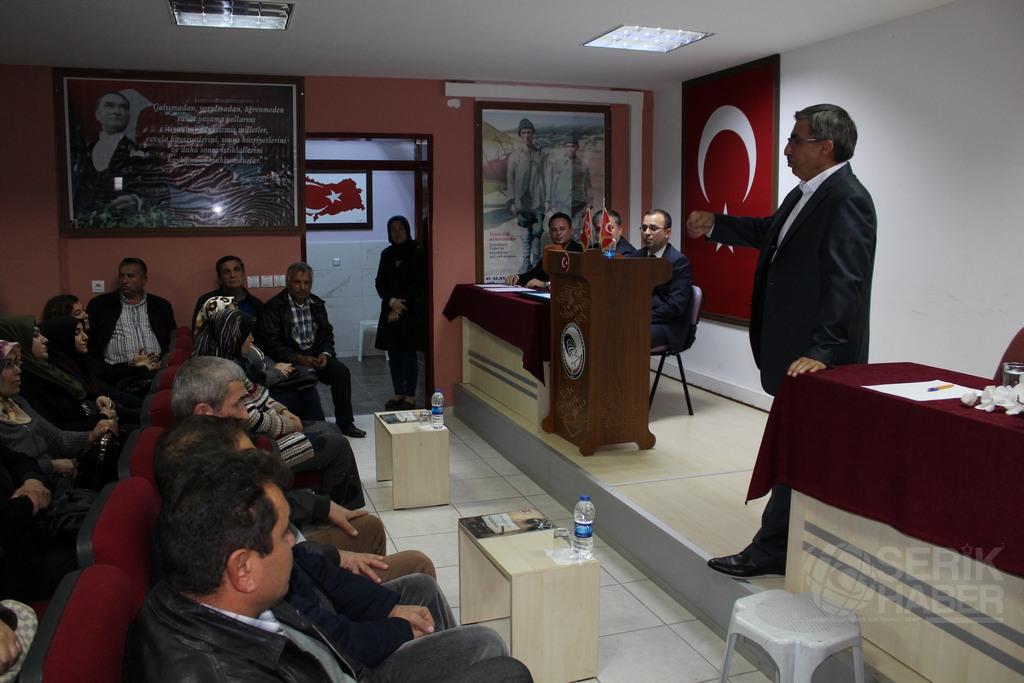 Serik Anadolu'da Öğrenci Ve Velilere Seminer