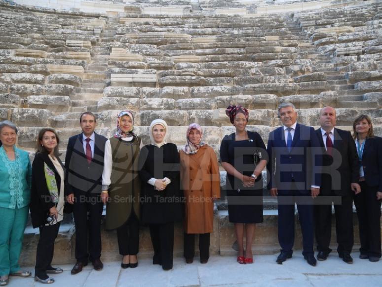 Lider Eşleri Aspendos'u Ziyaret Etti