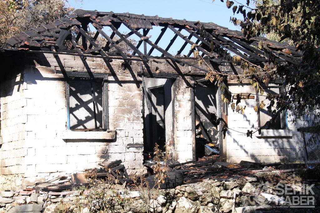 Serik'te müstakil evde önce intihar, sonra yangın