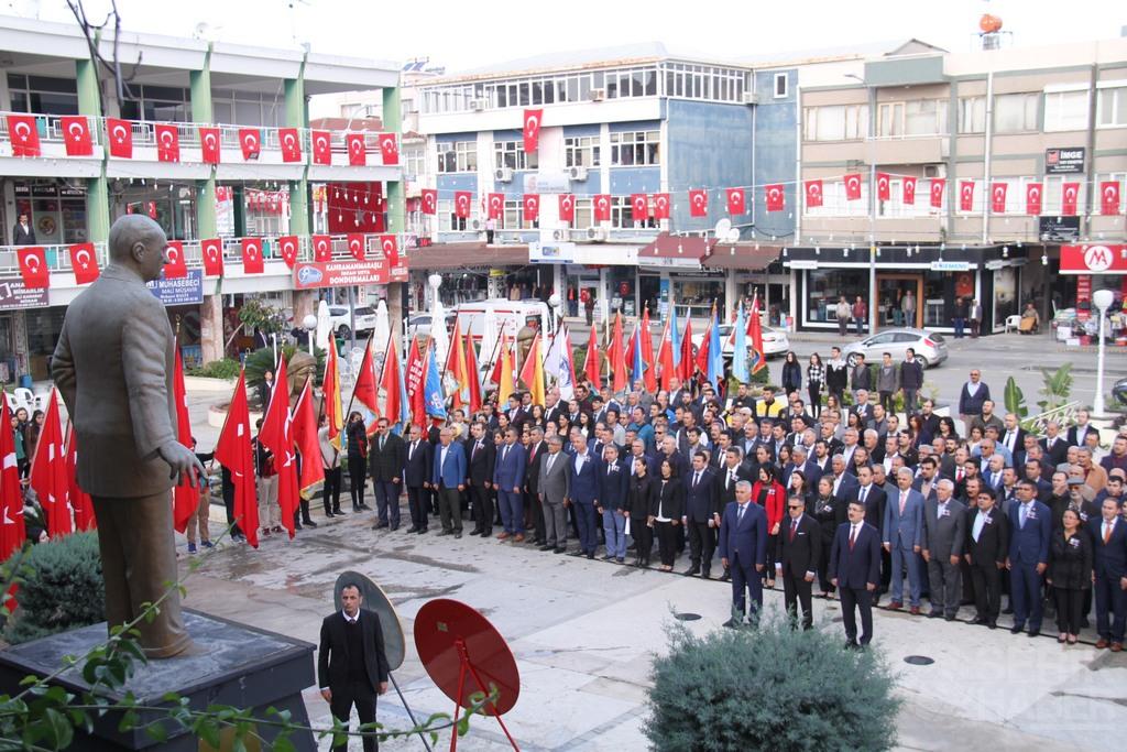 Atatürk'ü Saygı, sevgi, hasret ve minnetle andık