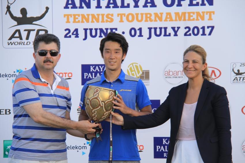 Antalya Open Şampiyonu Japon Yuichi