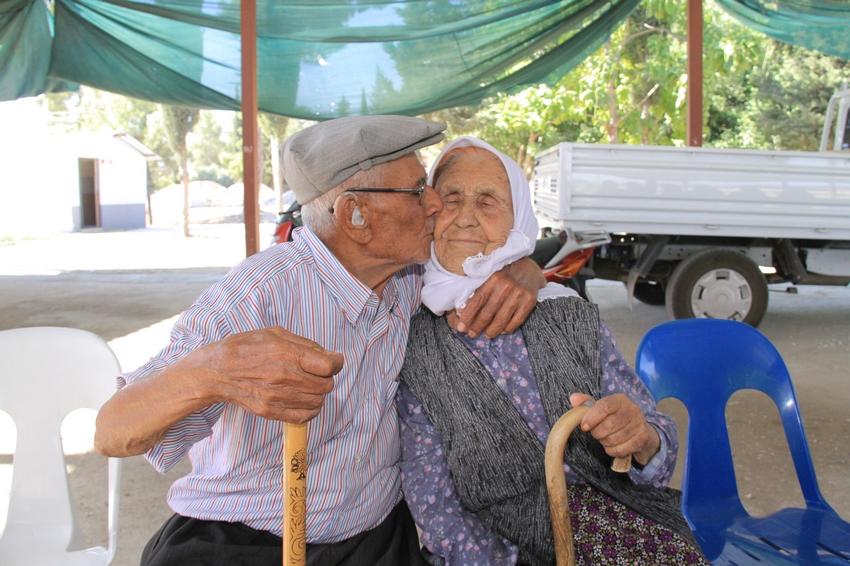 Asırlık yaşamda 75 yıllık örnek Aşk