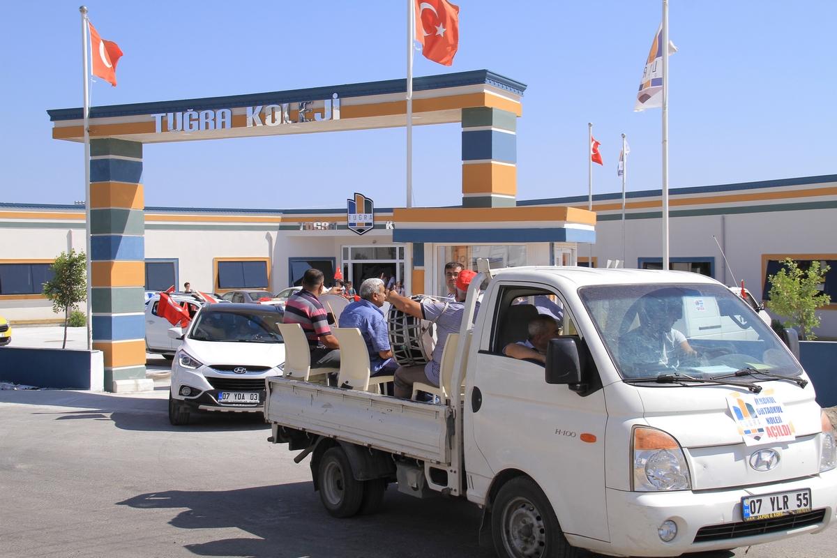 Tuğra Koleji'nden Davullu Zurnalı Açılış Konvoyu