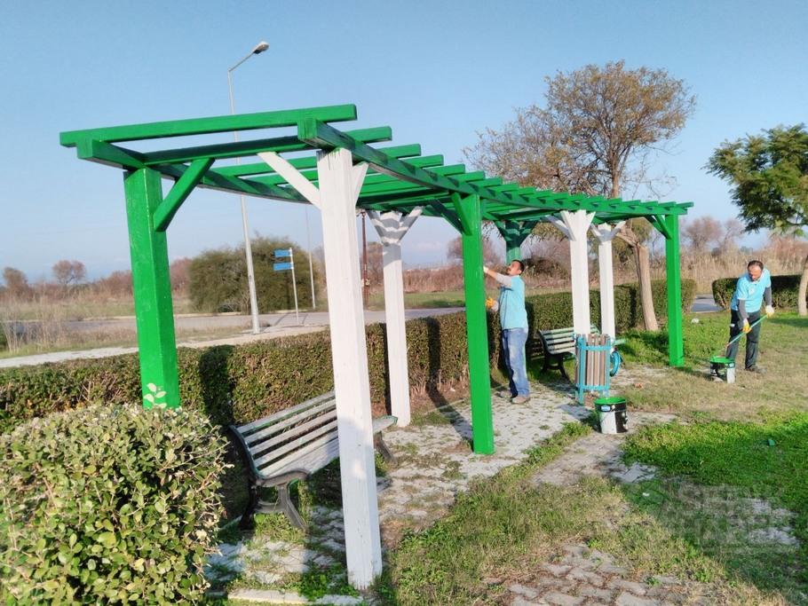 Serik'te parklar bakım ve onarımdan geçiyor